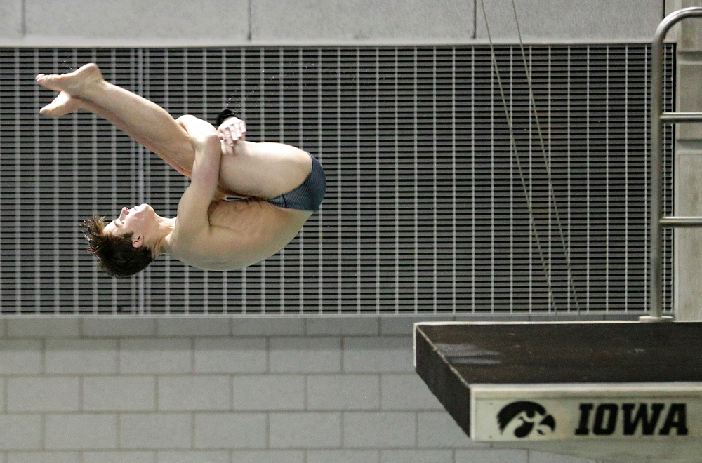 Iowa's Michael Huebner competes in the 3 meter diving event during their meet at the Campus Recreation and Wellness Center in Iowa City on Friday, February 7, 2020. (Stephen Mally/hawkeyesports.com)