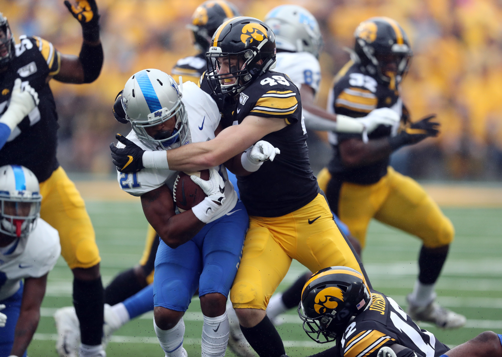 Iowa Hawkeyes linebacker Nick Niemann (49) against Middle Tennessee State Saturday, September 28, 2019 at Kinnick Stadium. (Brian Ray/hawkeyesports.com)