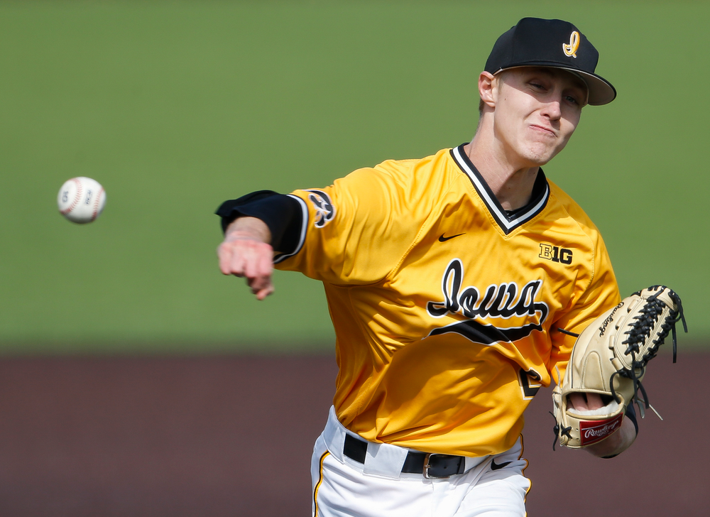 Iowa Hawkeyes pitcher Zach Daniels (2) pitches during a game against Evansville at Duane Banks Field on March 18, 2018. (Tork Mason/hawkeyesports.com)