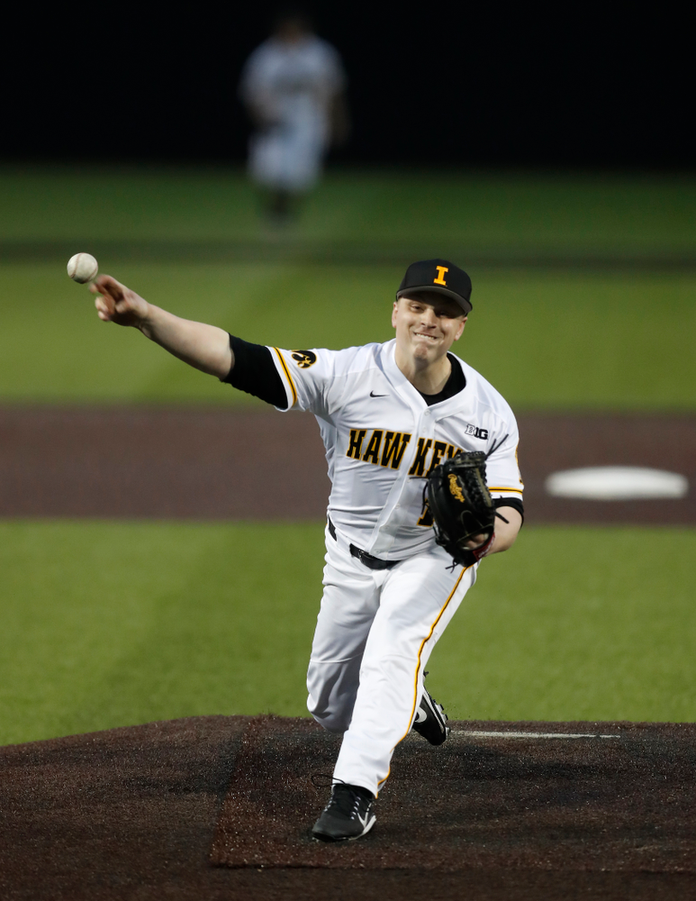 Iowa Hawkeyes pitcher Derek Lieurance (10) against Coe College Wednesday, April 11, 2018 at Duane Banks Field. (Brian Ray/hawkeyesports.com)