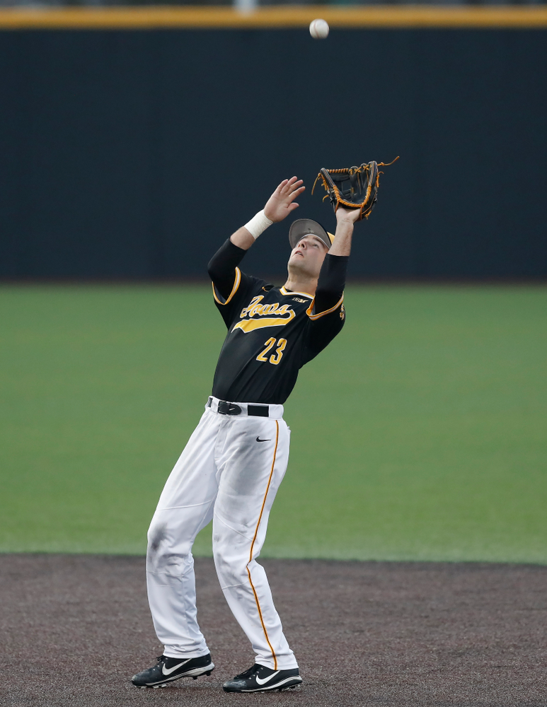 Iowa Hawkeyes infielder Kyle Crowl (23) against the Bradley Braves Wednesday, March 28, 2018 at Duane Banks Field. (Brian Ray/hawkeyesports.com)