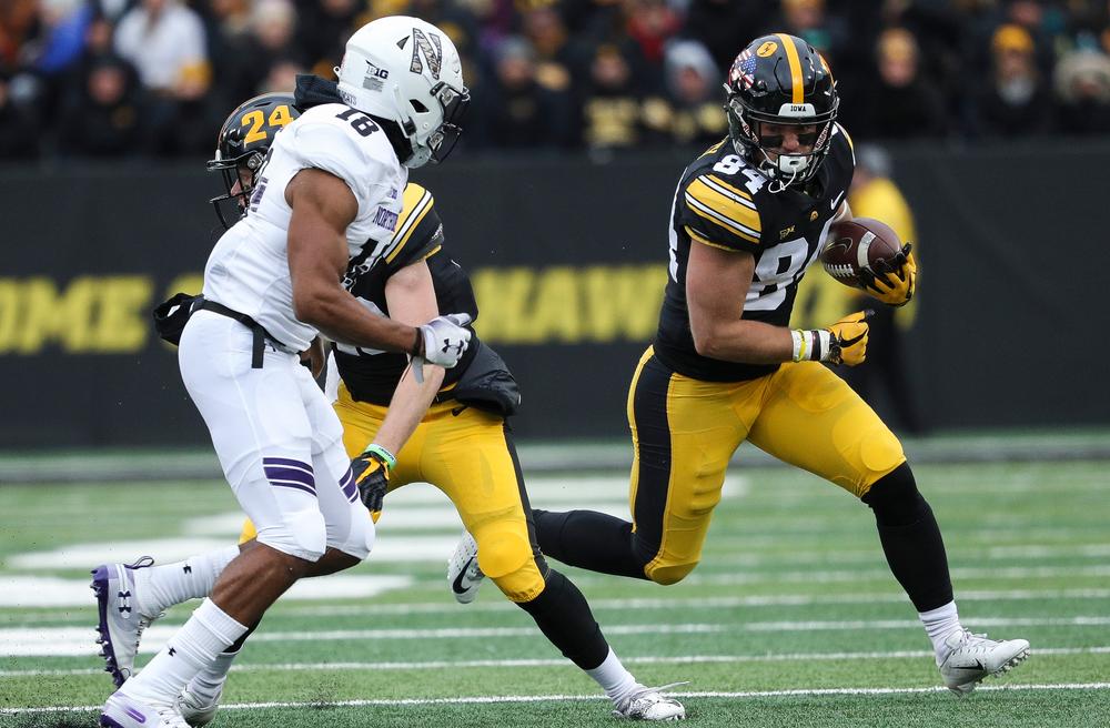 Iowa Hawkeyes wide receiver Nick Easley (84) runs the ball during a game against Northwestern at Kinnick Stadium on November 10, 2018. (Tork Mason/hawkeyesports.com)