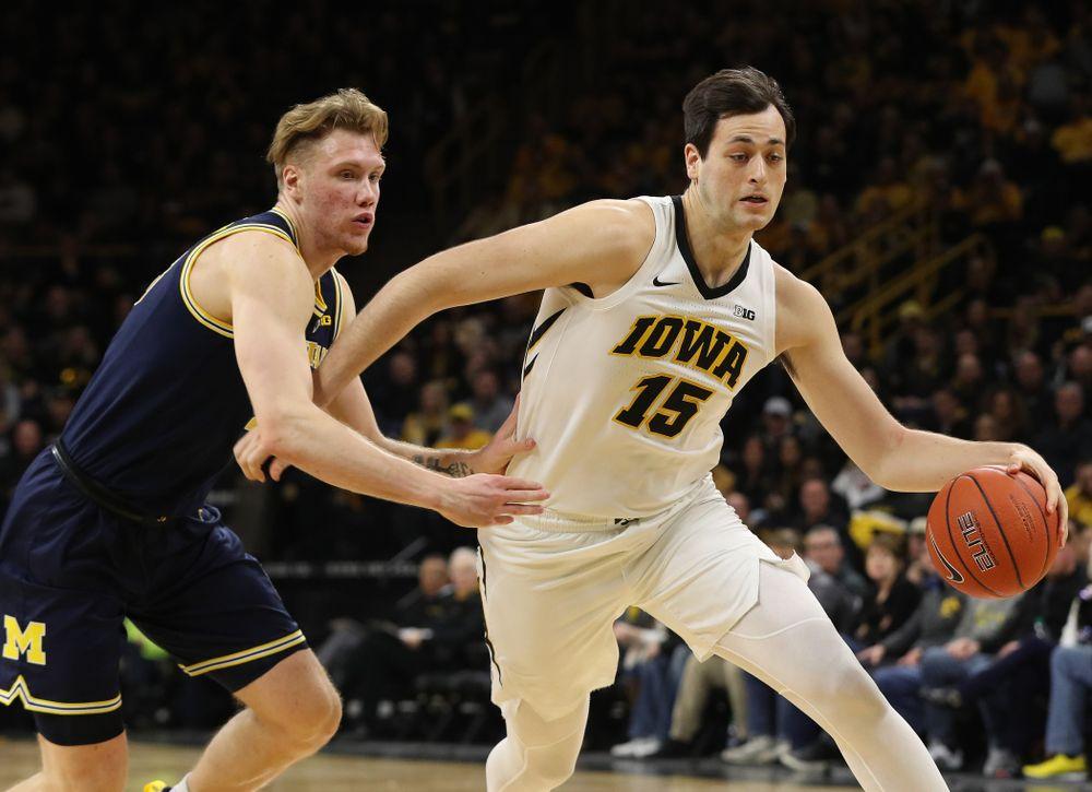 Iowa Hawkeyes forward Ryan Kriener (15) against the Michigan Wolverines Friday, February 1, 2019 at Carver-Hawkeye Arena. (Brian Ray/hawkeyesports.com)