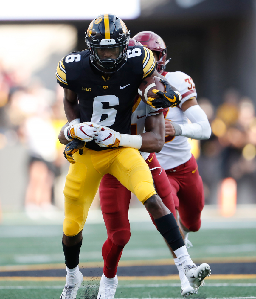 Iowa Hawkeyes wide receiver Ihmir Smith-Marsette (6) picks up a first down against the Iowa State Cyclones Saturday, September 8, 2018 at Kinnick Stadium. (Brian Ray/hawkeyesports.com)
