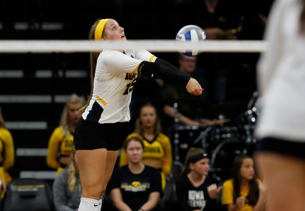 Iowa Hawkeyes defensive specialist Maddie Slagle (15) against the Michigan Wolverines Sunday, September 23, 2018 at Carver-Hawkeye Arena. (Brian Ray/hawkeyesports.com)