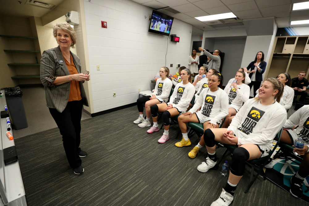 Iowa Hawkeyes head coach Lisa Bluder against Ohio State in the quarterfinals of the Big Ten Basketball Tournament Friday, March 6, 2020 at Bankers Life Fieldhouse in Indianapolis. (Brian Ray/hawkeyesports.com)