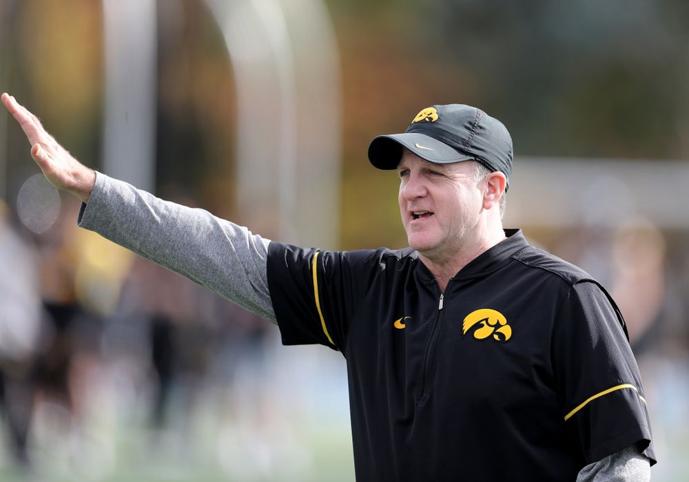Iowa Hawkeyes defensive coordinator Phil Parker runs a drill during Holiday Bowl Practice No. 3  Tuesday, December 24, 2019 at San Diego Mesa College. (Brian Ray/hawkeyesports.com)
