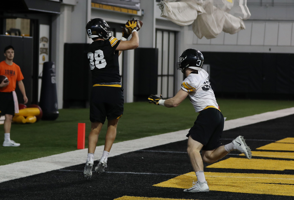 Iowa Hawkeyes tight end T.J. Hockenson (38) during preparation for the 2019 Outback Bowl Tuesday, December 18, 2018 at the Hansen Football Performance Center. (Brian Ray/hawkeyesports.com)