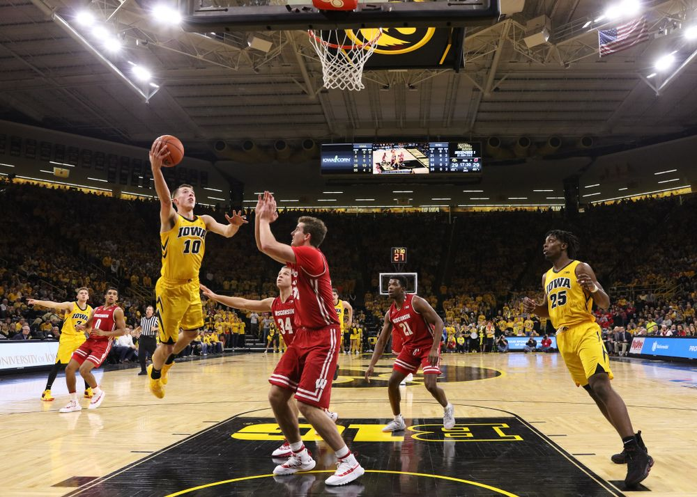 Iowa Hawkeyes guard Joe Wieskamp (10) against the Wisconsin Badgers Friday, November 30, 2018 at Carver-Hawkeye Arena. (Brian Ray/hawkeyesports.com)