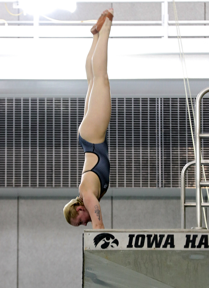 Iowa's Thelma Strandberg competes in the platform diving event during their meet at the Campus Recreation and Wellness Center in Iowa City on Friday, February 7, 2020. (Stephen Mally/hawkeyesports.com)