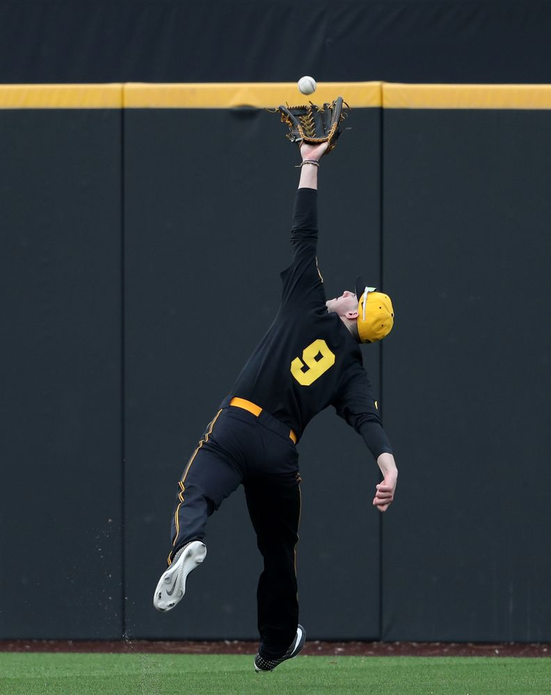 Iowa Hawkeyes outfielder Ben Norman (9) against Simpson College Tuesday, March 19, 2019 at Duane Banks Field. (Brian Ray/hawkeyesports.com)
