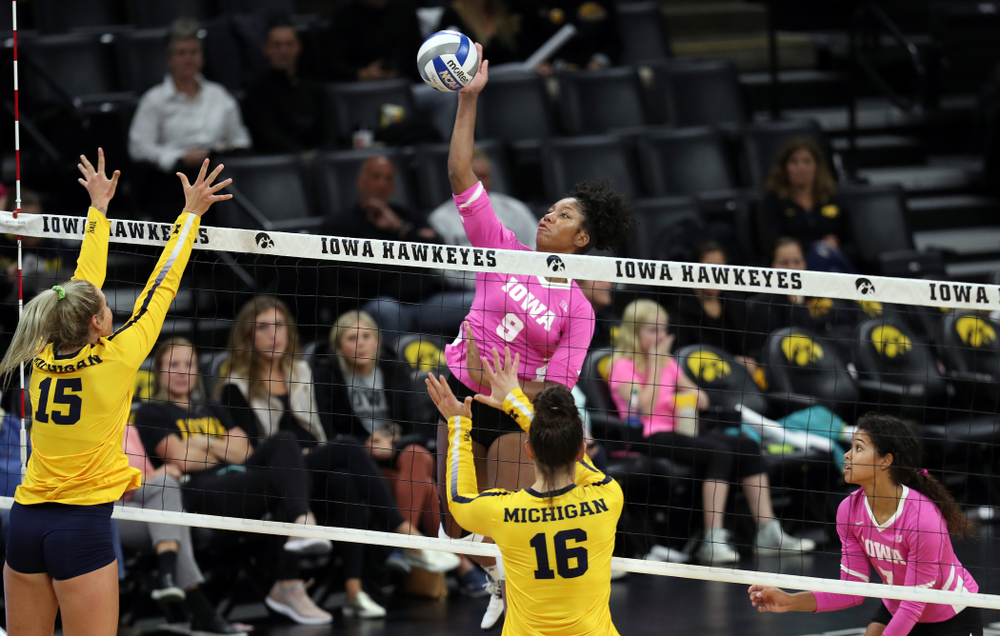 Iowa Hawkeyes middle blocker Amiya Jones (9) against the Michigan Wolverines Friday, October 11, 2019 at Carver-Hawkeye Arena.(Brian Ray/hawkeyesports.com)