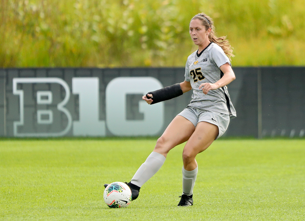 Iowa midfielder Josie Durr (25) passes the ball during the first half of their match at the Iowa Soccer Complex in Iowa City on Sunday, Sep 1, 2019. (Stephen Mally/hawkeyesports.com)
