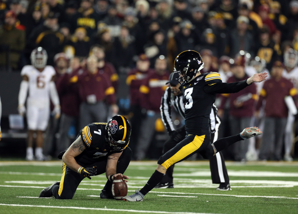 Iowa Hawkeyes place kicker Keith Duncan (3) against the Minnesota Golden Gophers Saturday, November 16, 2019 at Kinnick Stadium. (Brian Ray/hawkeyesports.com)