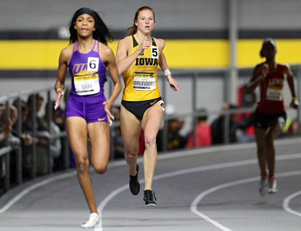 Iowa's Mariel Bruxvoort runs the women's 300 meter invitational event during the Jimmy Grant Invitational at the Recreation Building in Iowa City on Saturday, December 14, 2019. (Stephen Mally/hawkeyesports.com)