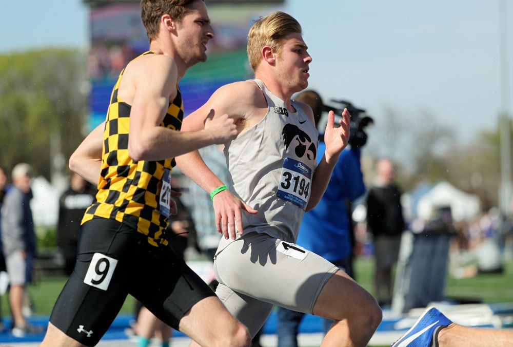 Iowa's Josh Andrews runs the men's 800 meter event during the first day of the Drake Relays at Drake Stadium in Des Moines on Thursday, Apr. 25, 2019. (Stephen Mally/hawkeyesports.com)