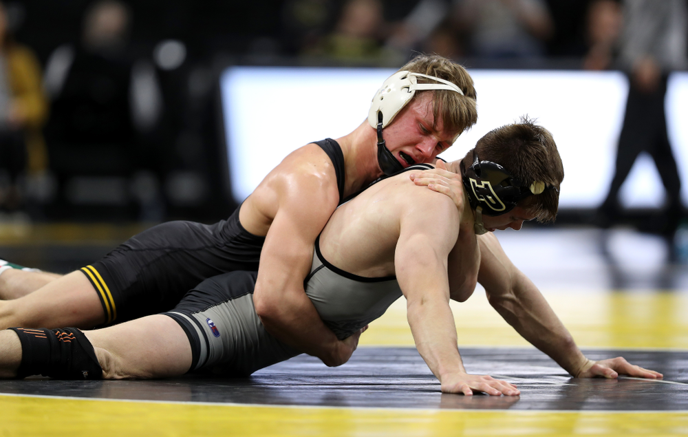 Iowa's Max Murin wrestles Purdue'sNate Limex at 141 pounds Saturday, November 24, 2018 at Carver-Hawkeye Arena. (Brian Ray/hawkeyesports.com)