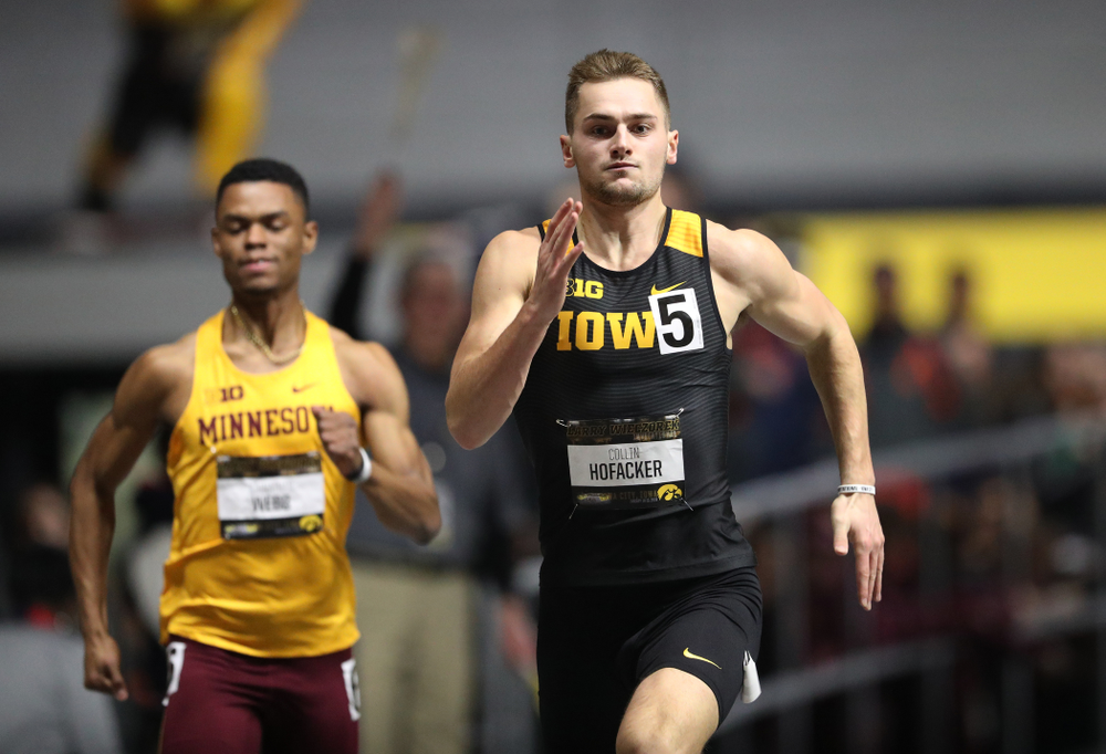 Iowa's Colin Hofacker runs the 200 meter premier during the 2019 Larry Wieczorek Invitational Friday, January 18, 2019 at the Hawkeye Tennis and Recreation Center. (Brian Ray/hawkeyesports.com)