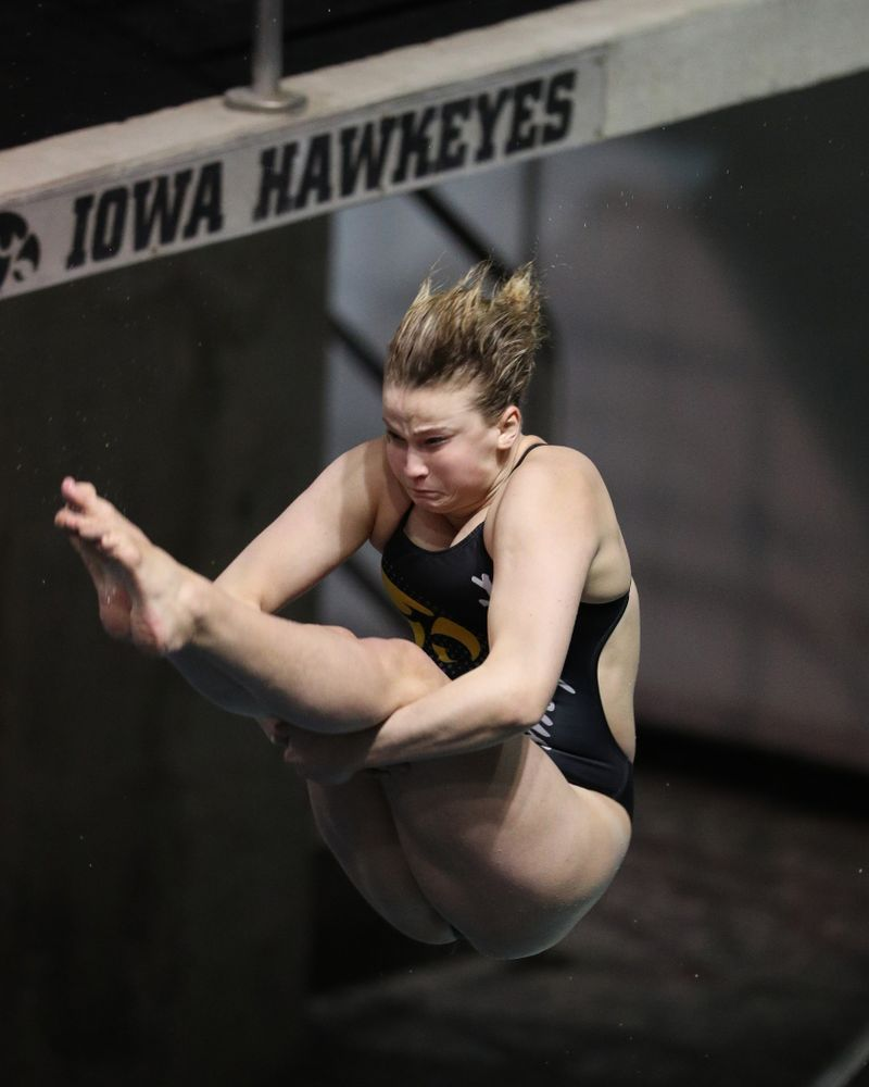 Iowa's Claire Park competes on the 1-meter springboard against the Iowa State Cyclones in the Iowa Corn Cy-Hawk Series Friday, December 7, 2018 at at the Campus Recreation and Wellness Center. (Brian Ray/hawkeyesports.com)