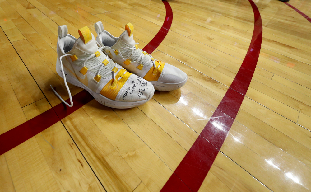 Iowa Hawkeyes guard Jordan Bohannon (3) leaves his shoes on the court following their game against the Iowa State Cyclones Thursday, December 12, 2019 at Hilton Coliseum in Ames, Iowa(Brian Ray/hawkeyesports.com)