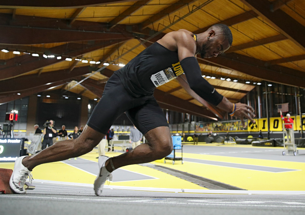 Iowa's Antonio Woodard. runs the men's 200 meter dash premier event during the Larry Wieczorek Invitational at the Recreation Building in Iowa City on Friday, January 17, 2020. (Stephen Mally/hawkeyesports.com)