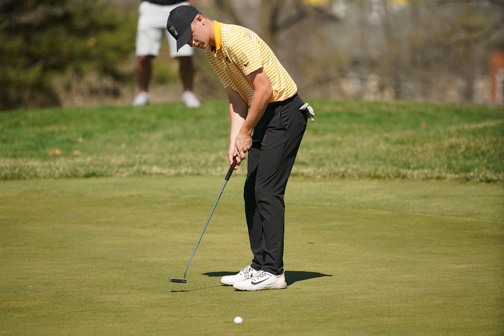 Iowa's Benton Weinberg putts during the third round of the Hawkeye Invitational at Finkbine Golf Course in Iowa City on Sunday, Apr. 21, 2019. (Stephen Mally/hawkeyesports.com)