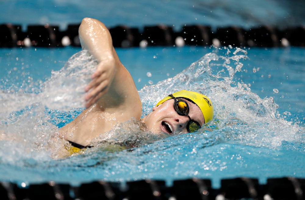 Allyssa Fluit swims the 200 yard freestyle during the Black and Gold Intrasquad Saturday, September 29, 2018 at the Campus Recreation and Wellness Center. (Brian Ray/hawkeyesports.com)