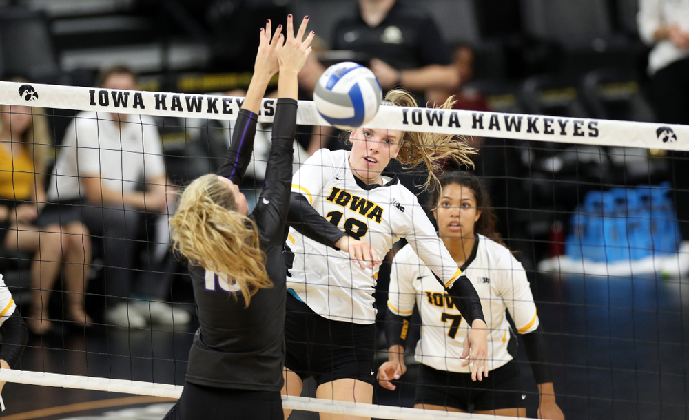 Iowa Hawkeyes middle blocker Hannah Clayton (18) against Lipscomb Friday, September 20, 2019 at Carver-Hawkeye Arena. (Brian Ray/hawkeyesports.com)