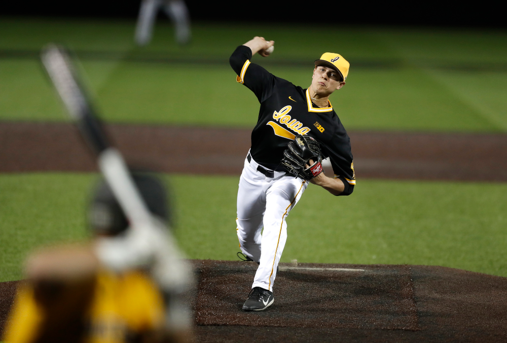 Iowa Hawkeyes pitcher Ben Probst (19) against Milwaukee Wednesday, April 25, 2018 at Duane Banks Field. (Brian Ray/hawkeyesports.com)