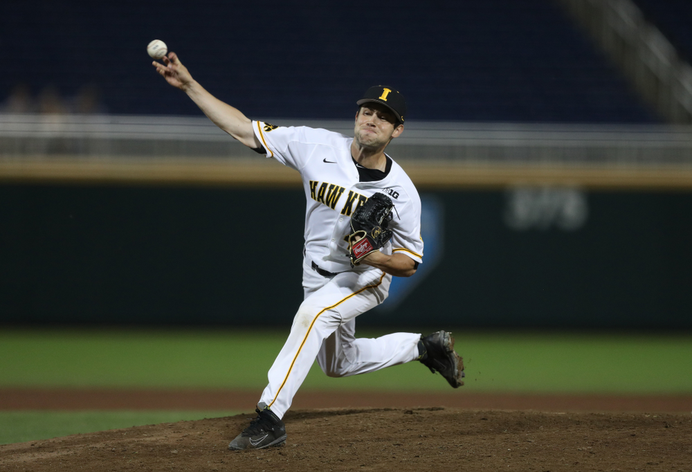 Iowa Hawkeyes Grant Leonard (43) against the Minnesota Golden Gophers in the  Big Ten Baseball Tournament Friday, May 24, 2019 at TD Ameritrade Park in Omaha, Neb. (Brian Ray/hawkeyesports.com)