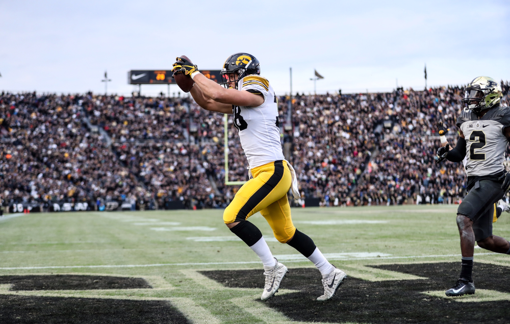 Iowa Hawkeyes tight end T.J. Hockenson (38) scores a touchdown against the Purdue Boilermakers Saturday, November 3, 2018 Ross Ade Stadium in West Lafayette, Ind. (Max Allen/hawkeyesports.com)