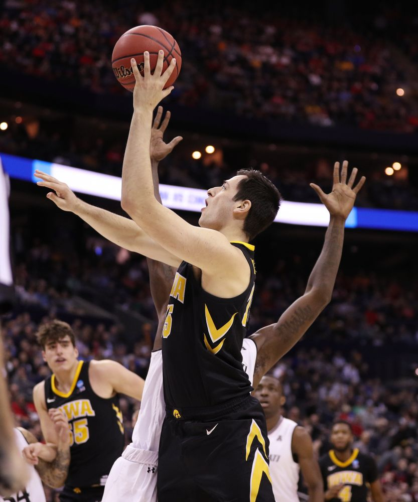 Iowa Hawkeyes forward Ryan Kriener (15) against the Cincinnati Bearcats in the first round of the 2019 NCAA Men's Basketball Tournament Friday, March 22, 2019 at Nationwide Arena in Columbus, Ohio. (Brian Ray/hawkeyesports.com)
