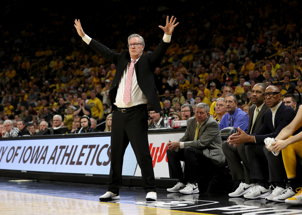 Iowa Hawkeyes head coach Fran McCaffery looks for some defense against the Rutgers Scarlet Knights  Wednesday, January 22, 2020 at Carver-Hawkeye Arena. (Brian Ray/hawkeyesports.com)