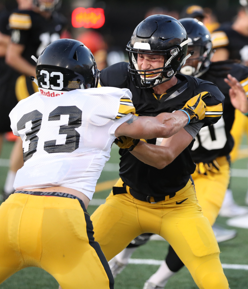 Iowa Hawkeyes wide receiver Drew Thomas (41)