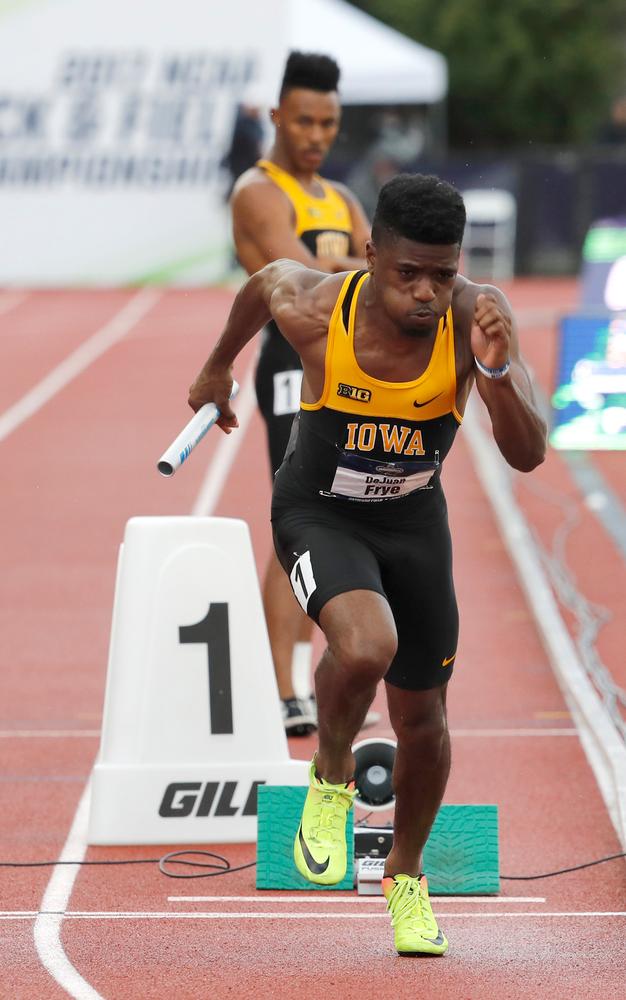 DeJuan Frye -- 4x400 relay
