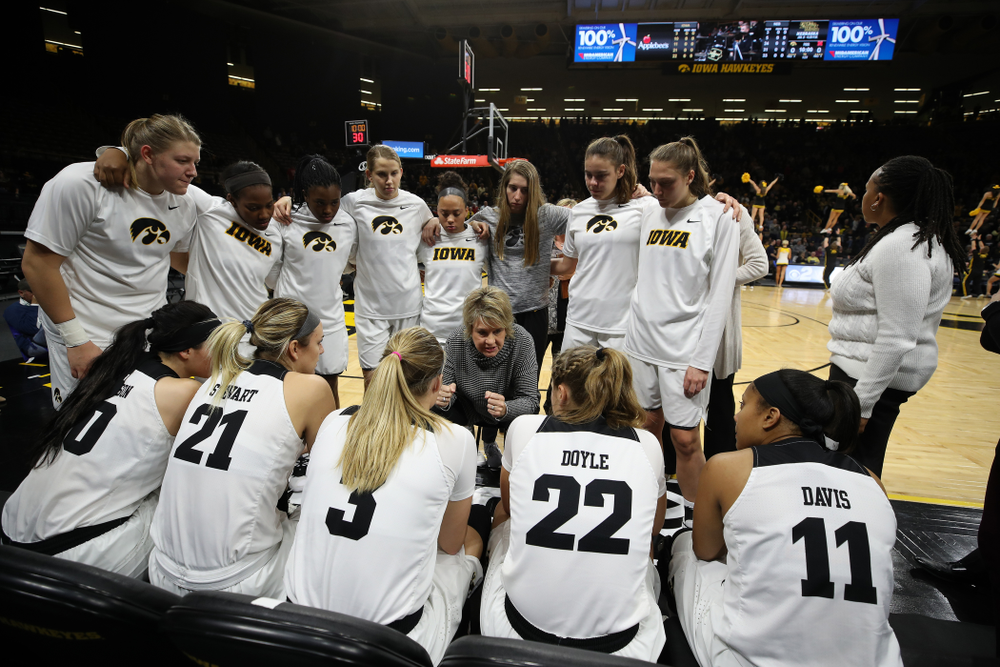 Iowa Hawkeyes head coach Lisa Bluder against the Nebraska Cornhuskers Thursday, January 3, 2019 at Carver-Hawkeye Arena. (Brian Ray/hawkeyesports.com)