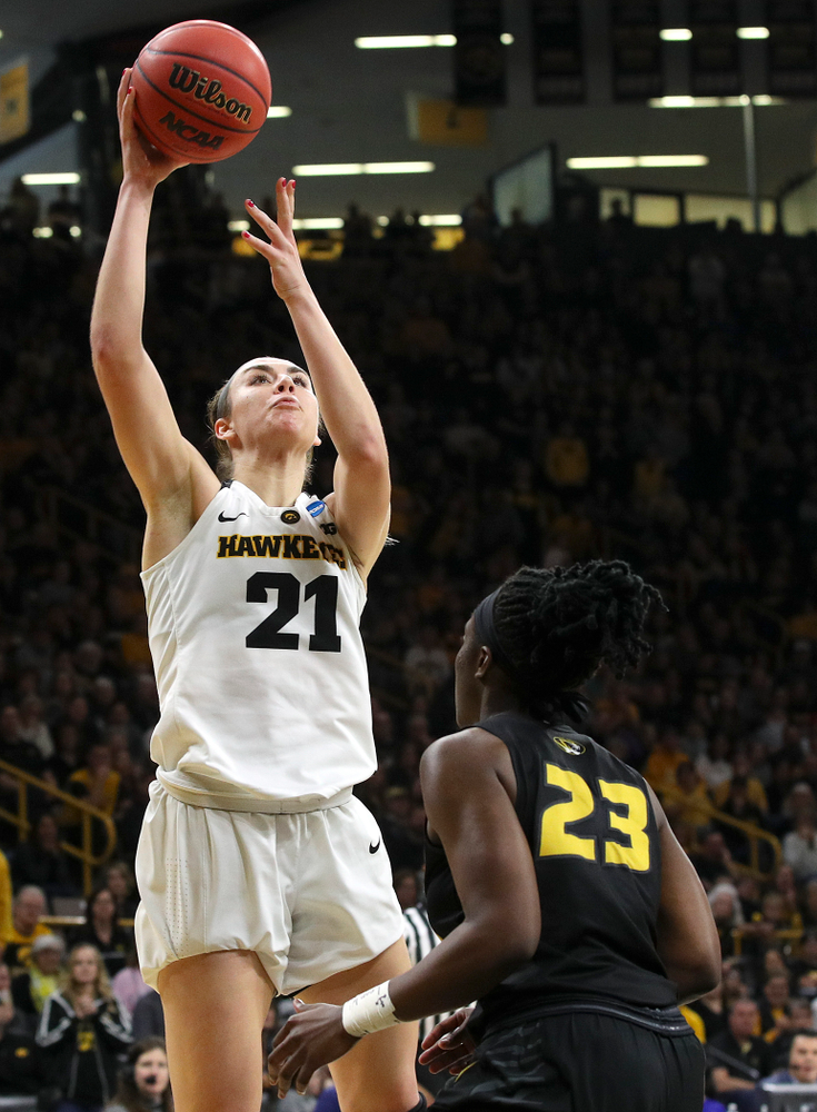 Iowa Hawkeyes forward Hannah Stewart (21) puts up a shot during the third quarter of their second round game in the 2019 NCAA Women's Basketball Tournament at Carver Hawkeye Arena in Iowa City on Sunday, Mar. 24, 2019. (Stephen Mally for hawkeyesports.com)