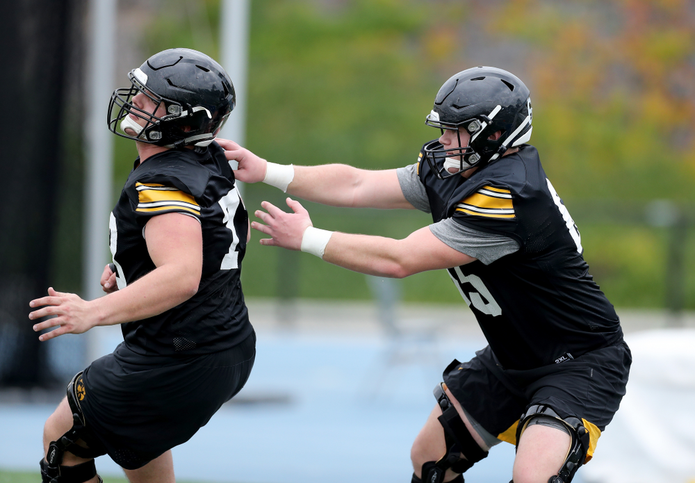 Iowa Hawkeyes offensive lineman Tyler Linderbaum (65) during practice Sunday, December 22, 2019 at Mesa College in San Diego. (Brian Ray/hawkeyesports.com)