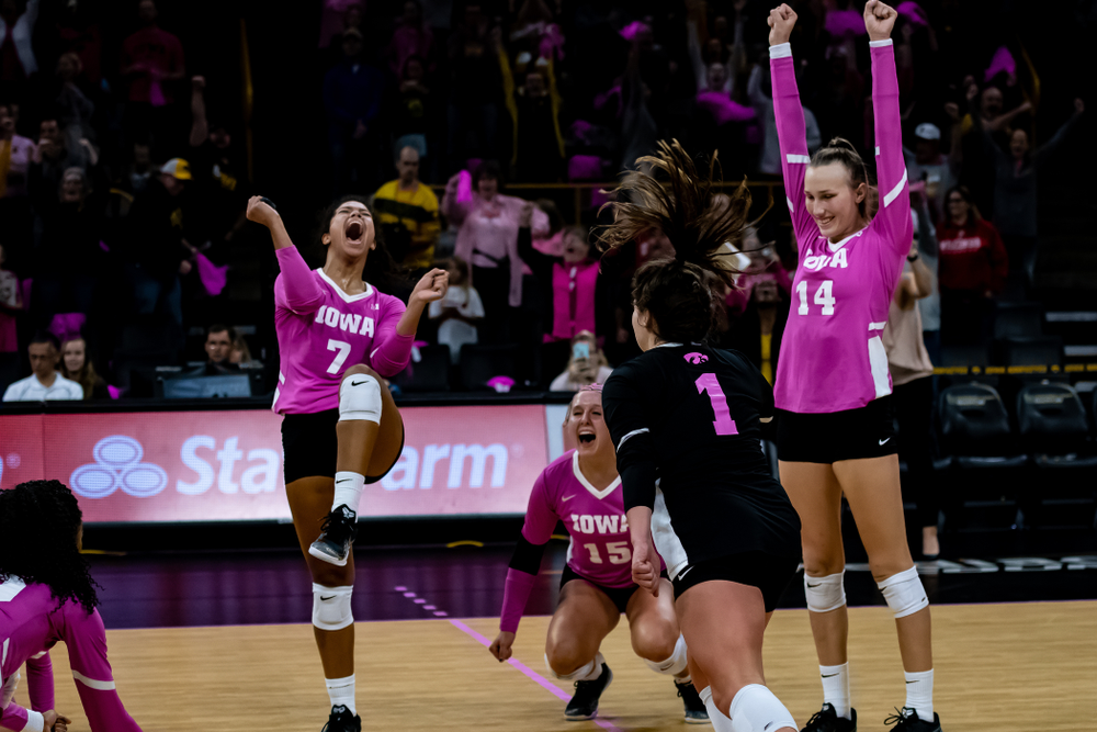 Iowa Hawkeyes setter Gabrielle Orr (7), defensive specialist Maddie Slagle (15), and outside hitter Cali Hoye (14) against the Wisconsin Badgers Saturday, October 6, 2018 at Carver-Hawkeye Arena. (Clem Messerli/Iowa Sports Pictures)