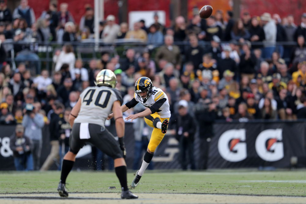 Iowa Hawkeyes place kicker Miguel Recinos (91) against the Purdue Boilermakers Saturday, November 3, 2018 Ross Ade Stadium in West Lafayette, Ind. (Brian Ray/hawkeyesports.com)