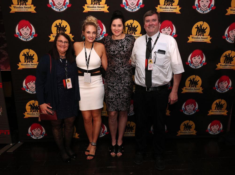 Iowa Hawkeyes forward Megan Gustafson (10) and her sister family before the ESPN College Basketball Awards show Friday, April 12, 2019 at The Novo at LA Live.  (Brian Ray/hawkeyesports.com)