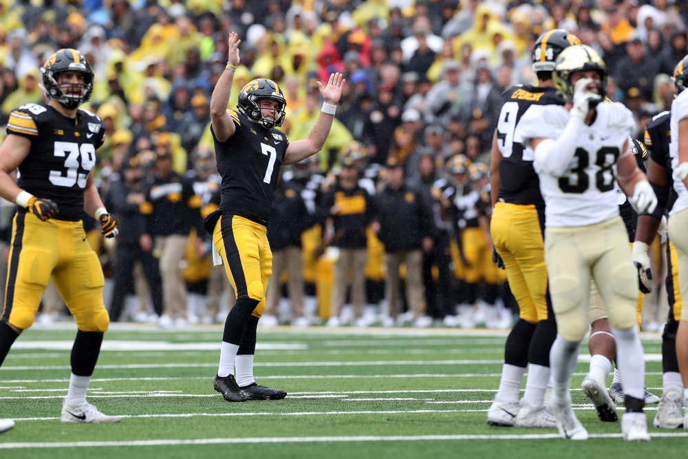 Iowa Hawkeyes punter Colten Rastetter (7) against the Purdue Boilermakers Saturday, October 19, 2019 at Kinnick Stadium. (Brian Ray/hawkeyesports.com)