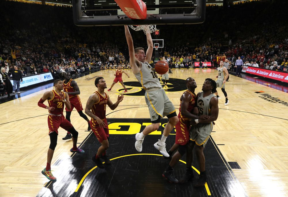 Iowa Hawkeyes guard Joe Wieskamp (10) dunks the ball against the Iowa State Cyclones in the Iowa Corn Cy-Hawk Series Thursday, December 6, 2018 at Carver-Hawkeye Arena. (Brian Ray/hawkeyesports.com)