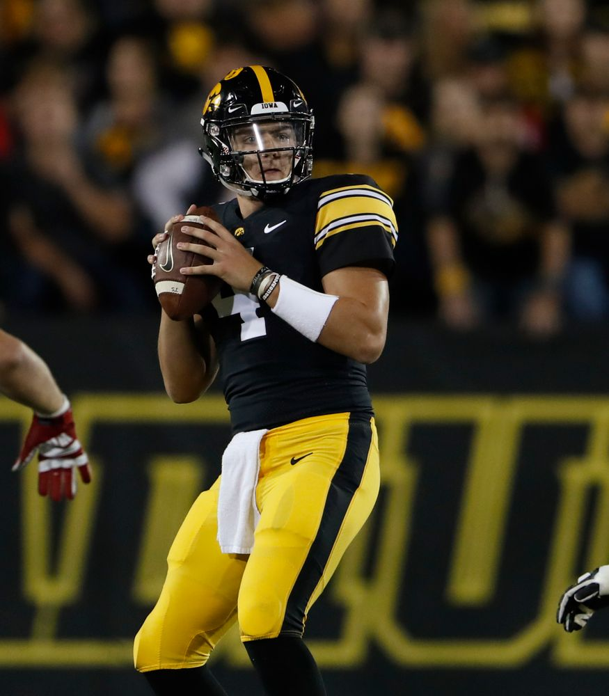 Iowa Hawkeyes quarterback Nate Stanley (4) against the Wisconsin Badgers Saturday, September 22, 2018 at Kinnick Stadium. (Brian Ray/hawkeyesports.com)