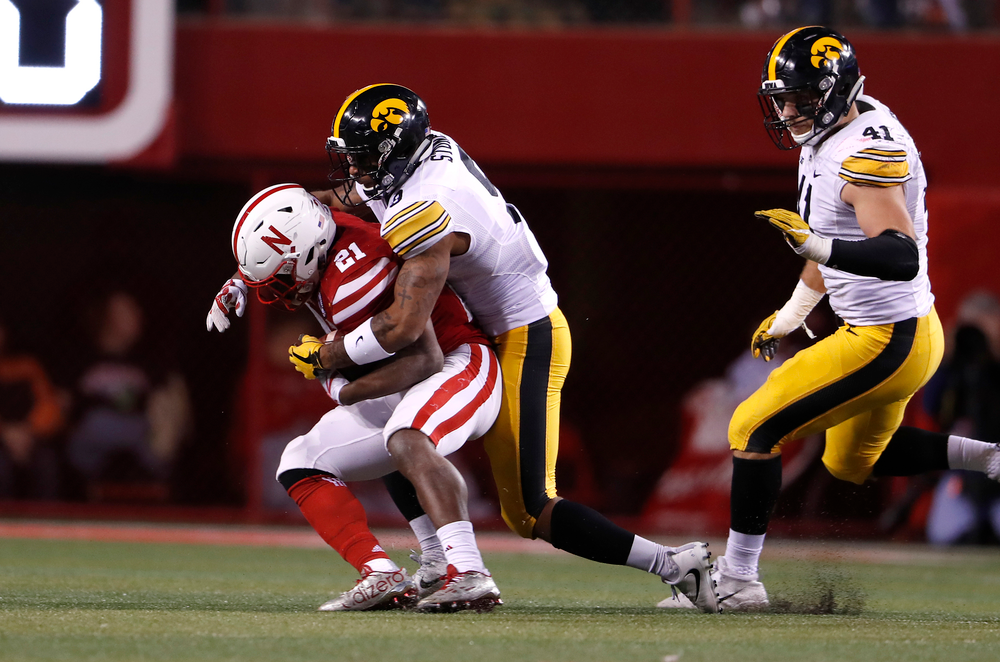 Iowa Hawkeyes defensive back Geno Stone (9)