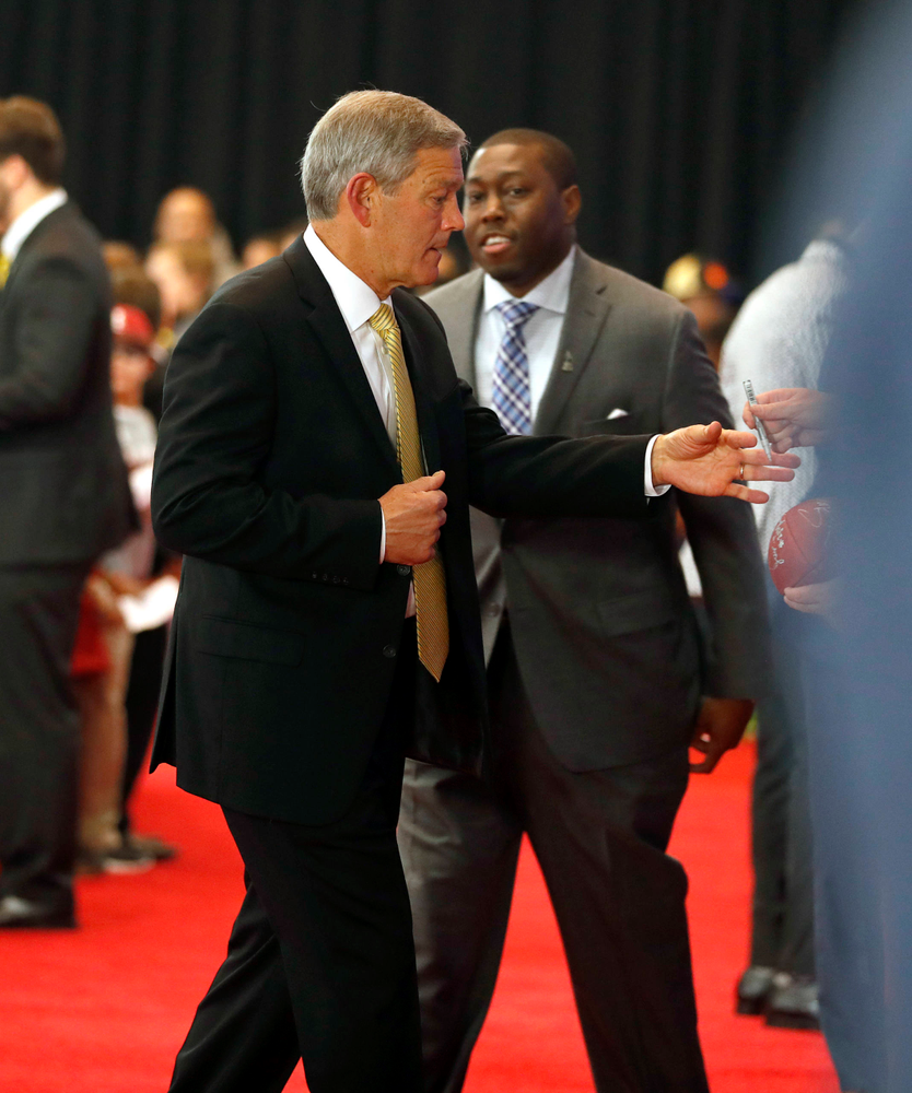 Kirk Ferentz, Brad Banks on the Red Carpet