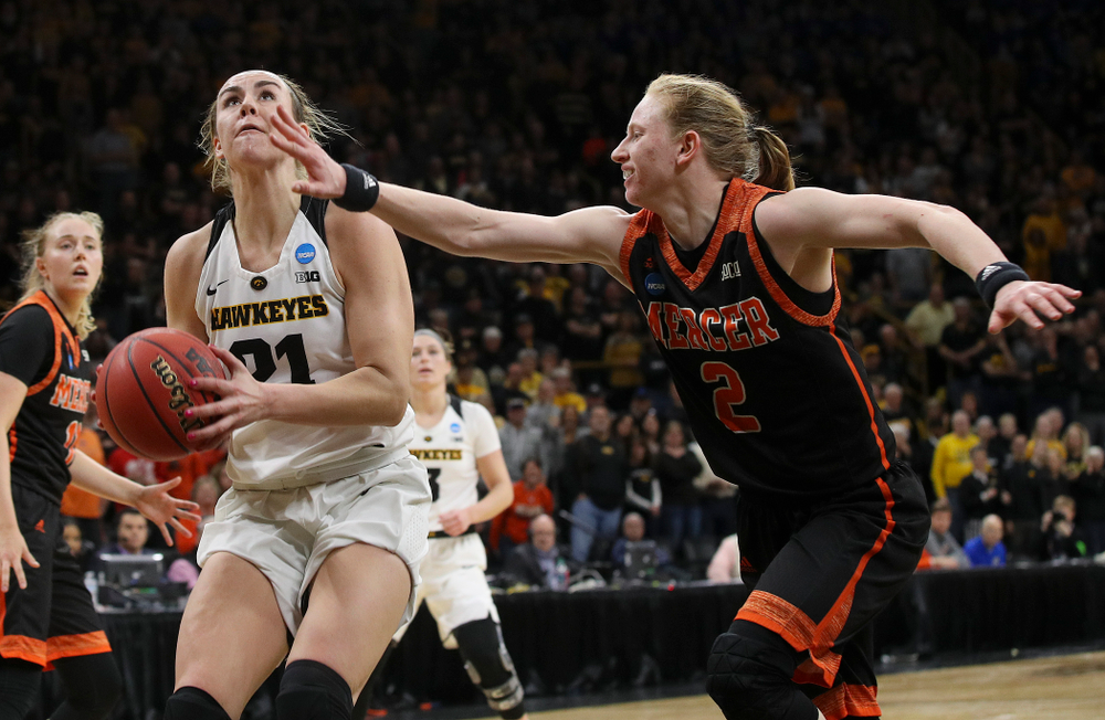Iowa Hawkeyes forward Hannah Stewart (21) eyes the basket before scoring during the first round of the 2019 NCAA Women's Basketball Tournament at Carver Hawkeye Arena in Iowa City on Friday, Mar. 22, 2019. (Stephen Mally for hawkeyesports.com)