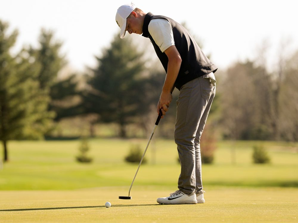 Iowa's Benton Weinberg putts during the second round of the Hawkeye Invitational at Finkbine Golf Course in Iowa City on Saturday, Apr. 20, 2019. (Stephen Mally/hawkeyesports.com)
