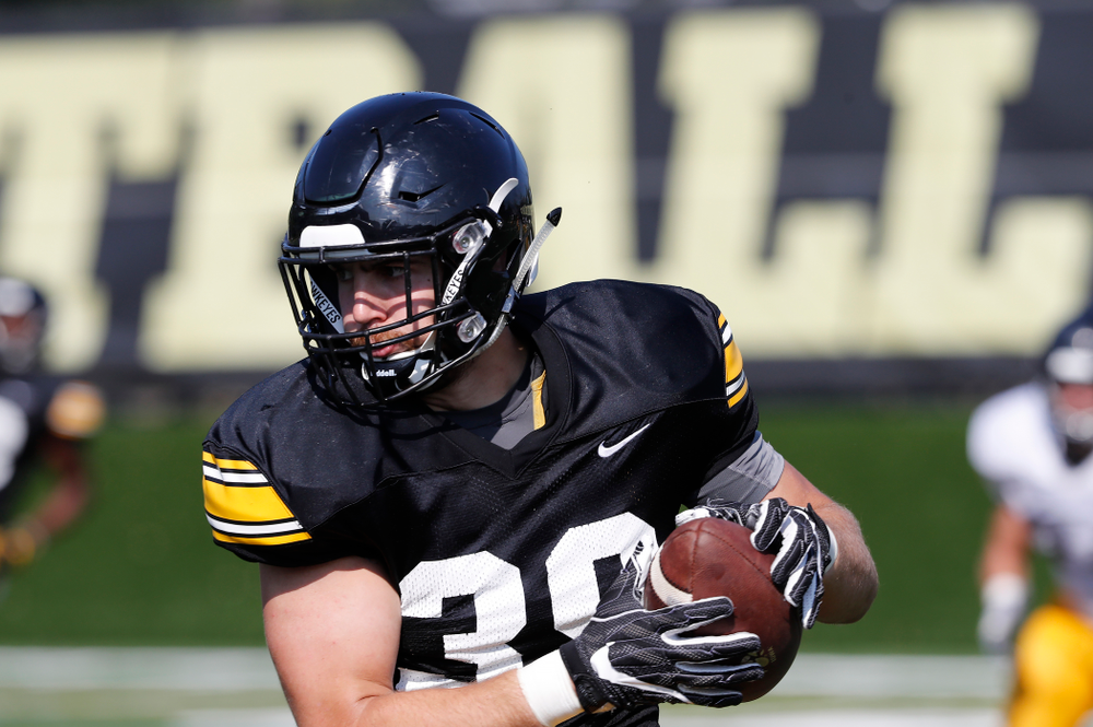 Iowa Hawkeyes tight end Nate Wieting (39) during camp practice No. 17 Wednesday, August 22, 2018 at the Kenyon Football Practice Facility. (Brian Ray/hawkeyesports.com)