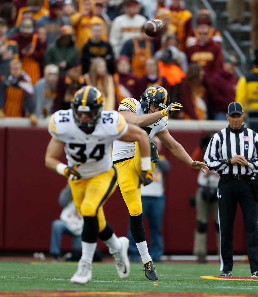 Iowa Hawkeyes punter Colten Rastetter (7) against the Minnesota Golden Gophers Saturday, October 6, 2018 at TCF Bank Stadium. (Brian Ray/hawkeyesports.com)